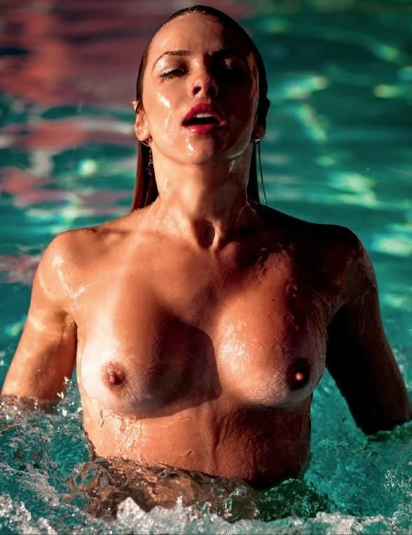 Coleguinha Karen Kounrouzan pelada nua na Playboy de Novembro 10