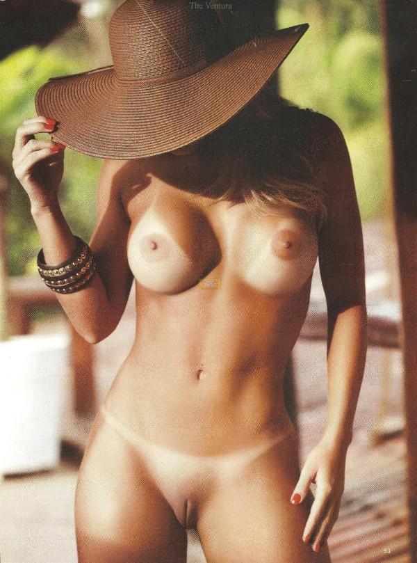 Graciella Carvalho nua pelada na Sexy de Dezembro 8
