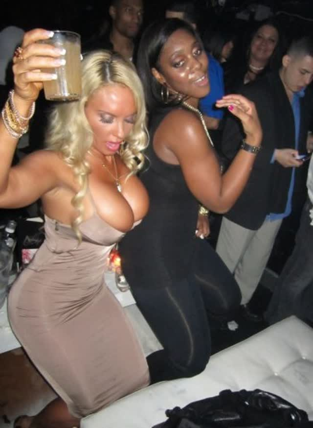 Super Gostosa Nicole Coco Austin nude pelada amateur 10