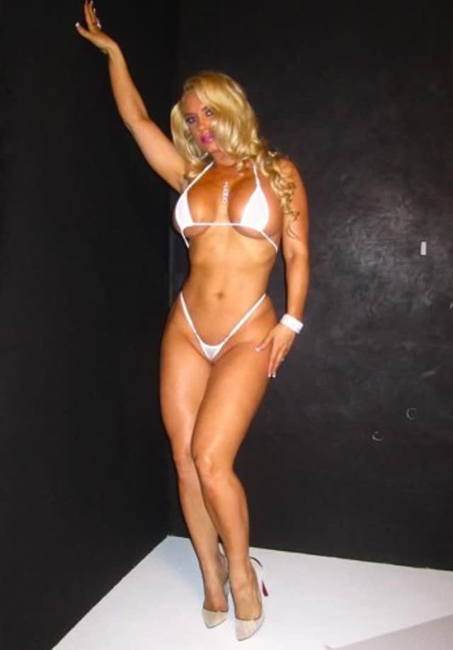 Super Gostosa Nicole Coco Austin nude pelada amateur 19