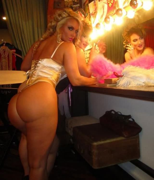 Super Gostosa Nicole Coco Austin nude pelada amateur 24