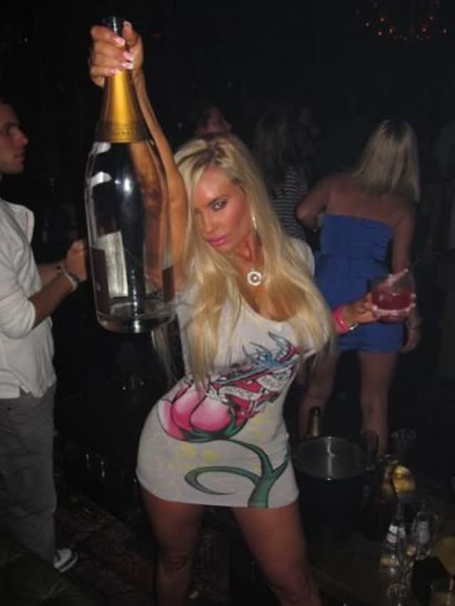 Super Gostosa Nicole Coco Austin nude pelada amateur 43