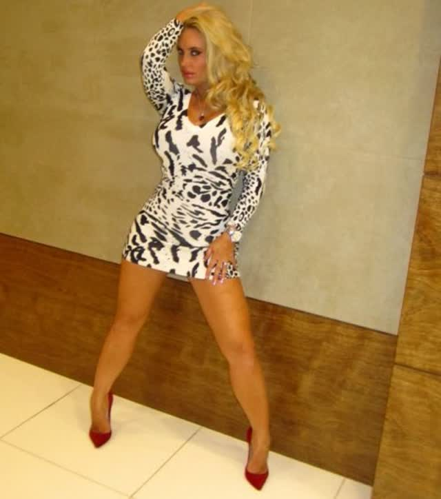 Super Gostosa Nicole Coco Austin nude pelada amateur 5