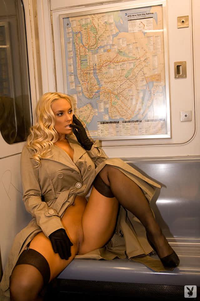 Super Gostosa Nicole Coco Austin nude pelada amateur 56