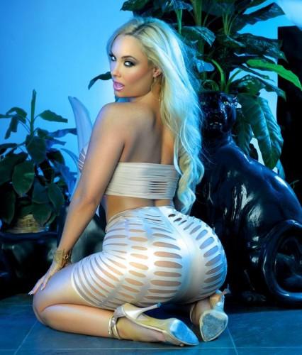 Super Gostosa Nicole Coco Austin nude pelada amateur 6