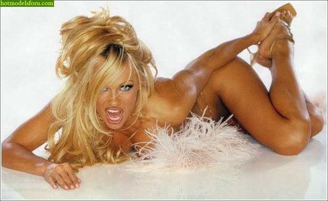 Video e Fotos Pamela Anderson em sexo explícito 12