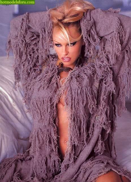 Video e Fotos Pamela Anderson em sexo explícito 16