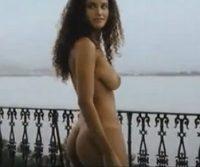Fotos e vídeo – Debora Nascimento nua em filme