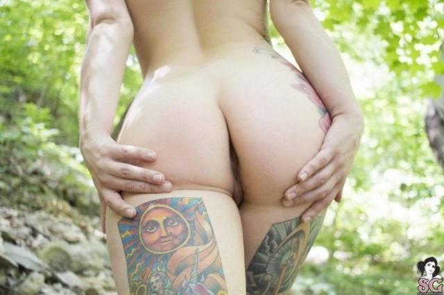 Gostosa Tatuada da Suicide Girls Pelada 24