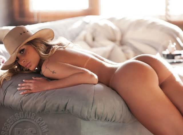 Fotos de Andressa Urach pelada nua na Sexy 7