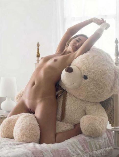 Fotos da virgem Catarina pelada na Playboy 13