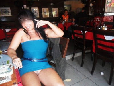 Danadinha que gosta de se exibir gostosa esposa pelada 17
