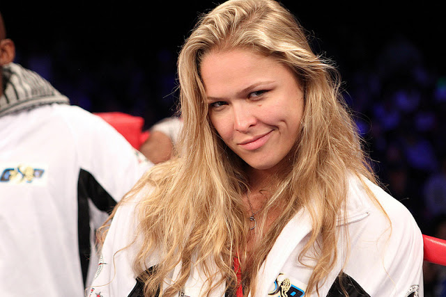 Lutadora de MMA Ronda Rousey é muito gata nua pelada