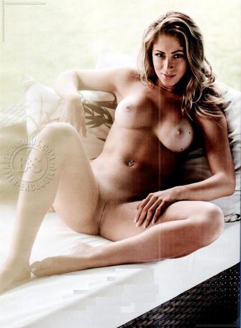 Panicat Carol Narizinho nua pelada na playboy 8