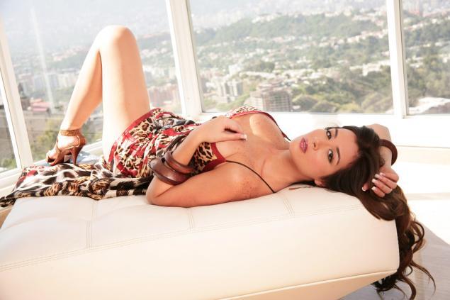 FOTOS E VIDEOS - Com vocês a gostosona Diosa Canales pelada 5
