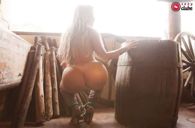 FOTOS e VIDEOS - Super gostosa Isis Gomes nua pelada (24)