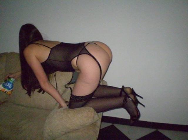 Priscila e roberta primas putaria que gostam muito de sexo 16