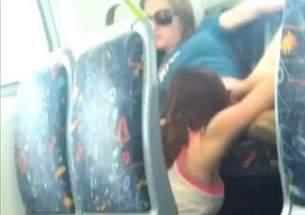 Putaria de lesbicas no trem