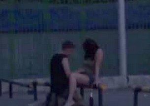 Casal flagrado fazendo em publico - http://www.naoconto.com