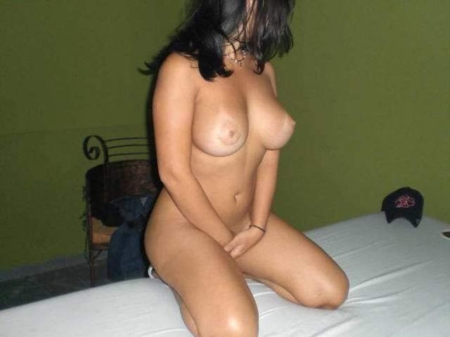 Paula uma morena gostosa pelada pra te deixar louco 5