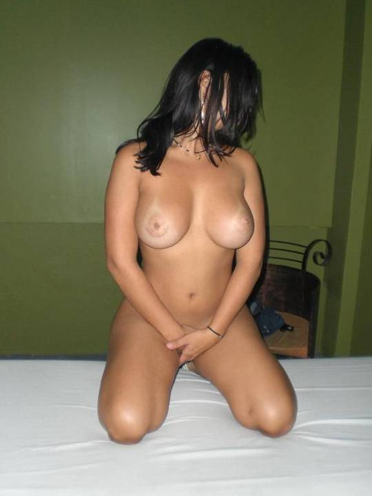 Paula uma morena gostosa pelada pra te deixar louco 6
