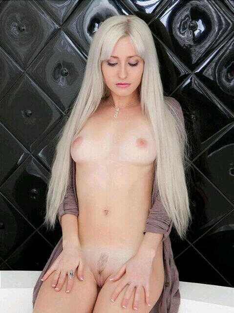 Peitos e mais peitos novinha pelada amadora 9