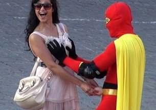 boobsman-o-super-heroi-dos-seios-femininos