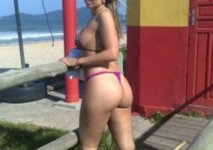 Esposa gostosa se exibindo na praia - http://www.naoconto.com