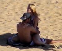 Casal é flagrado transando na Praia dos Cavaleiros – Macaé