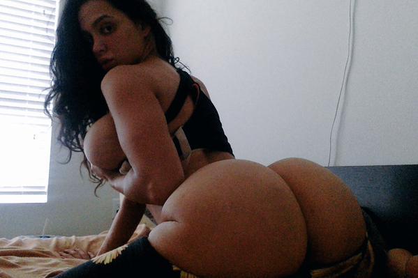 Com vocês Amy Anderssen nude pelada amateur 7