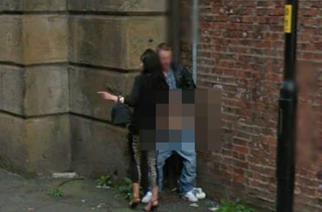 casais-flagrados-fazendo-sexo-em-lugares-inusitados-6-google-street-view-sex