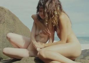Clipe de musica com mulheres gostosas nuas - http://www.naoconto.com