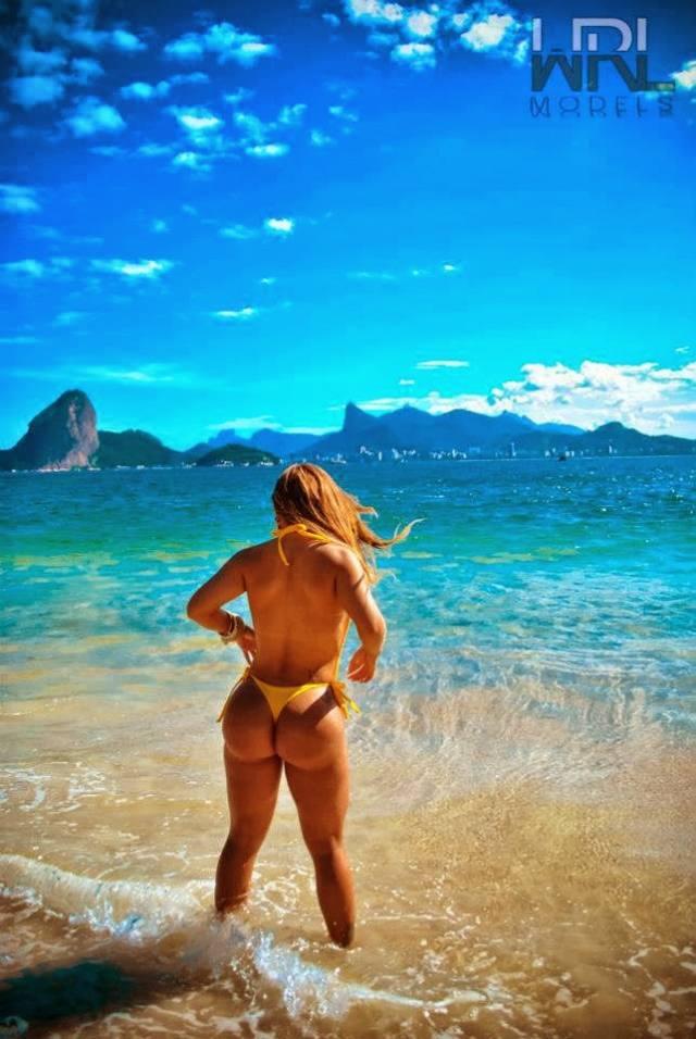 Cavala Paloma Gomes pelada candidata a Miss Bumbum 13