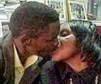 Mãe de 40 anos está gravida de seu filho de 23 e quer casar com ele!