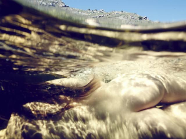 fotos de mulheres pelada nua embaixo da agua