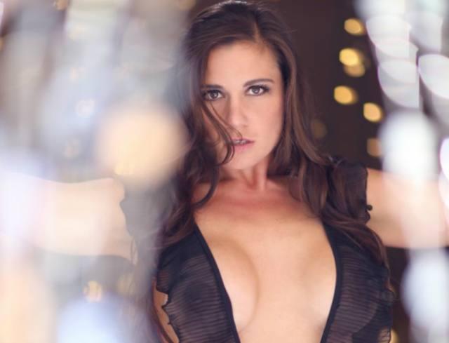 Olivia-Sprauer-Nude-Sexy-Breasts