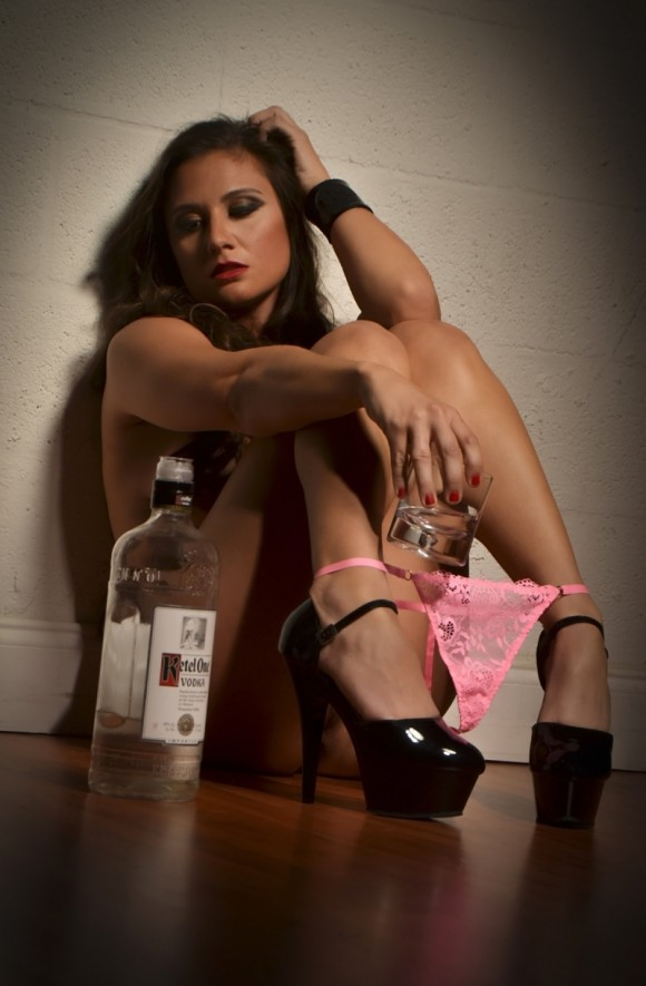 Olivia-Sprauer-Nude-Sexy-Glamor-Shots-2