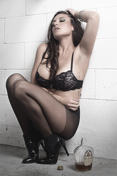 Olivia-Sprauer-Nude-Sexy-Glamor-Shots-7