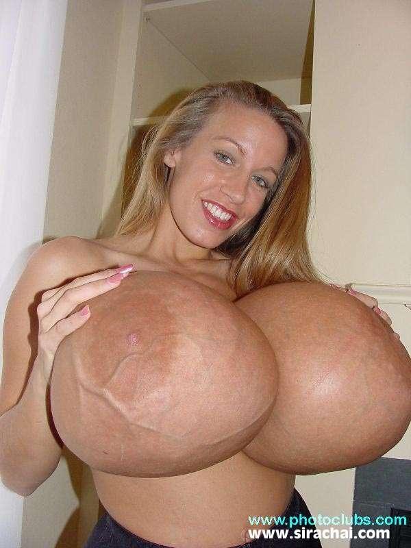 Os maiores seios do mundo Chelsea Charms nudes 2