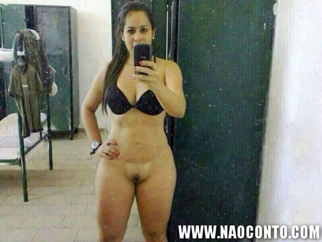 Tenente Renata gostosa do exercito aparece nua em fotos que vazaram na internet 6
