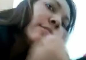 Professora é flagrada fazendo sexo oral em aluno na Bahia - http://www.naoconto.com