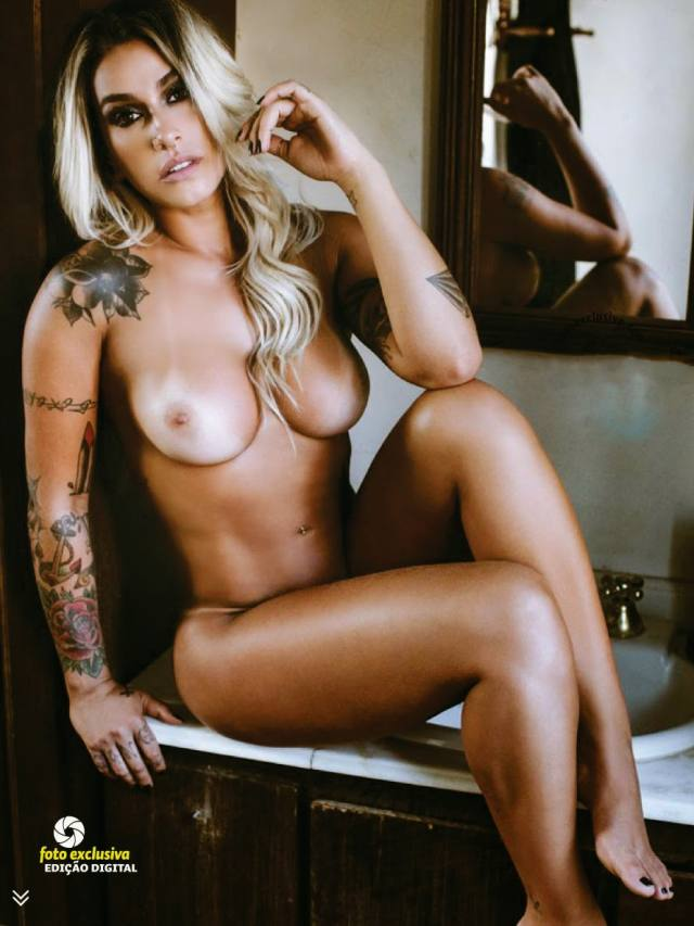 Dani Bolina nua pelada na Sexy de Abril 2014 22