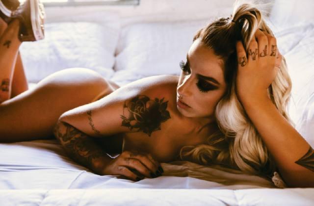 Dani Bolina nua pelada na Sexy de Abril 2014 29