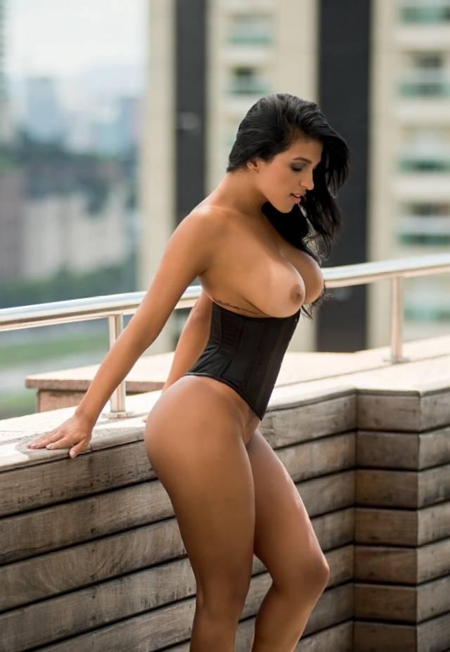 Gaby Fontenelle pelada nua na Playboy de Abril 2014 3
