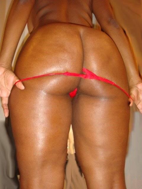 Negra gostosa rabuda peladinha 22