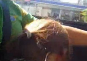 Karla caiu na net pagando boquete dentro do carro pelas ruas da Bahia - http://www.naoconto.com