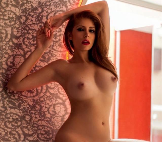 Amanda Gontijo pelada nua na Playboy 17