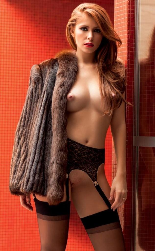 Amanda Gontijo pelada nua na Playboy 5