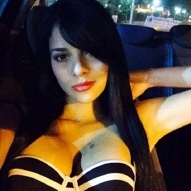 Fatinha Lopes pelada nua caiu na net 7