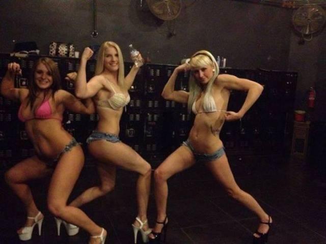 O-que-realmente-acontece-nos-bastidores-de-um-Club-de-Strip-43